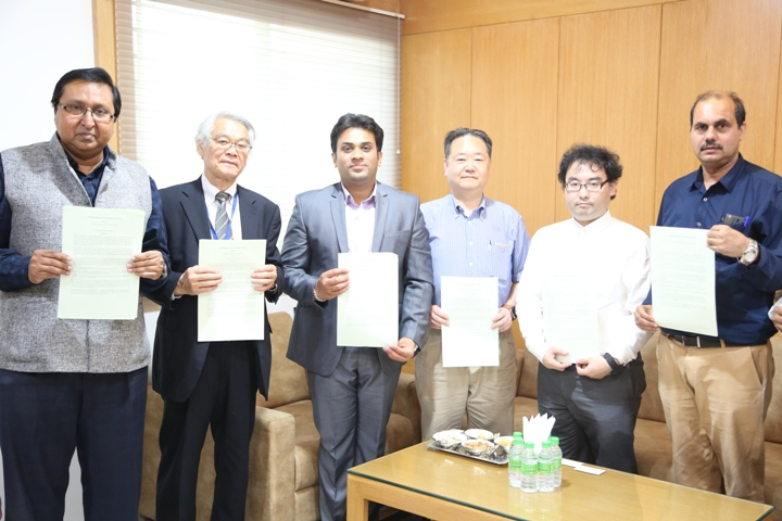 MOU signed between Solar Flame Corporation, Japan and Technocrats group of Institutions, Bhopal