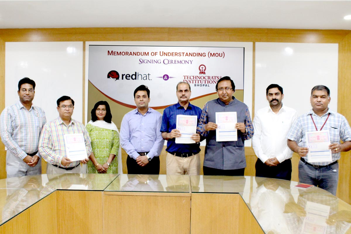 MoU with Red Hat Enterprise for Student Training Program